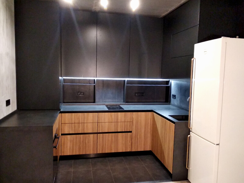 "Private kitchen in ""Echo park"" living complex"